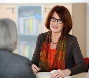 G. Monika Höhne im Coaching-Gespräch: wertschätzend und strukturiert zu mehr Klarheit