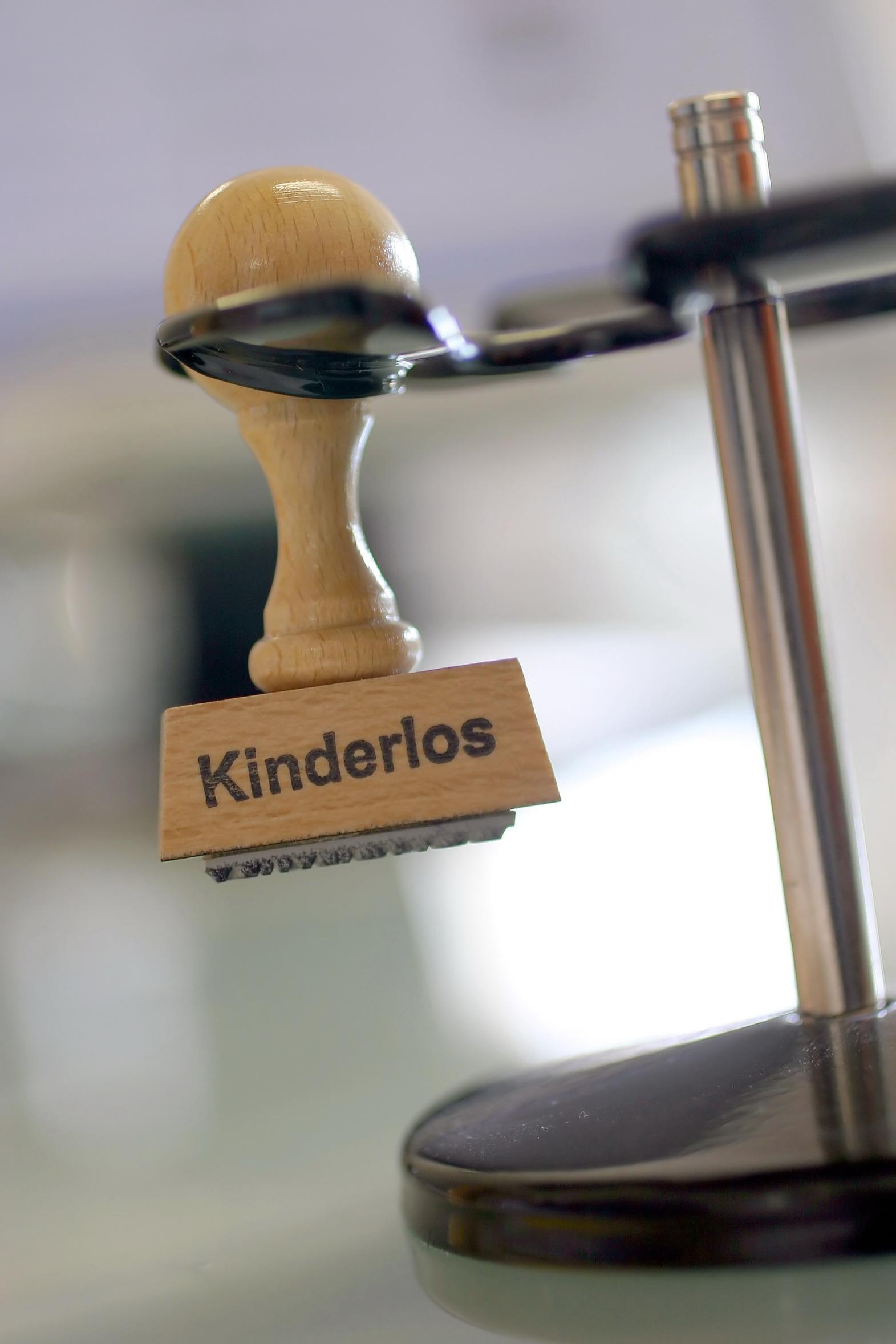 Kinderlos - Stempel - Symbolbild